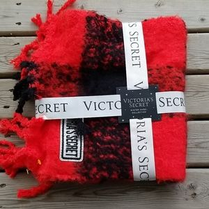 NWT Victoria's Secret Winter AngelCollection scarf